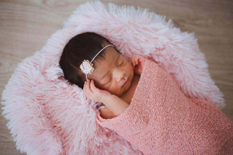 Read more about the article SWADDLES, SLEEP SUITS AND SLEEP SACKS (Say that 10 times fast!)